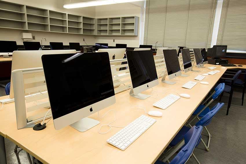Cariboo Hill Secondary Computer Lab